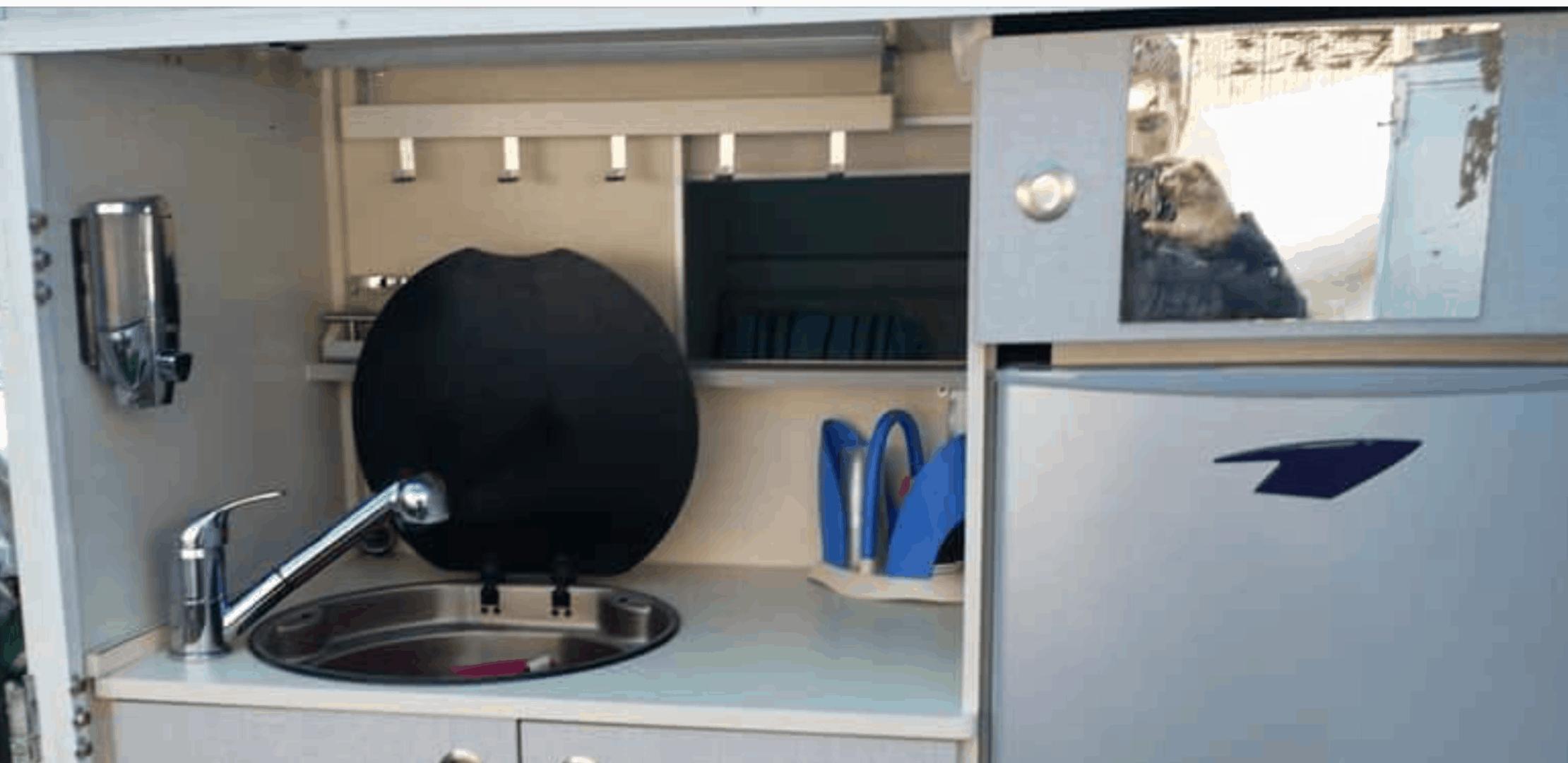 מטבח קרוואן דגם קריסטו – קריספין קרוואנס